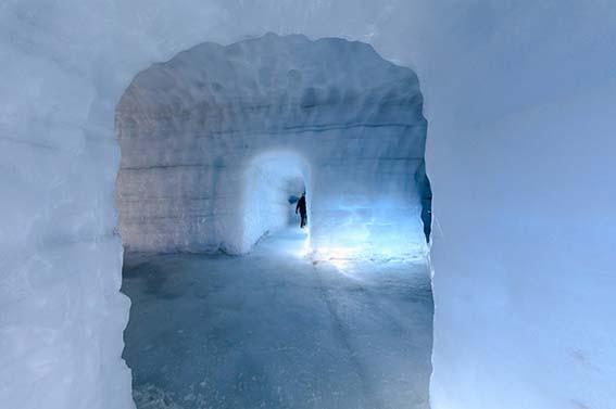 icecave-114-roman-gerasymenko