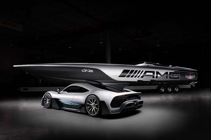 Das Cigarette Racing 515 Project ONE ist inspiriert vom Mercedes-AMG Project ONE. Das zweisitzige Supersportwagen-Showcar bringt erstmals modernste und effizienteste Formel-1-Hybrid-Technologie nahezu eins zu eins von der Rennstrecke auf die Straße. 