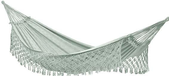 Hamac à franges La Divine Jardine Fabriqué à la main au Brésil avec des chutes de coton issues de la production textile. PPC: 180 €