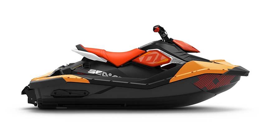 Spark Trixx by Seadoo. Seadoo révolutionne le pilotage de jet pour encore plus de facilité avec son guidon ajustable et ses appuis pieds pour encore plus de stabilité. PPC: 6 399 €