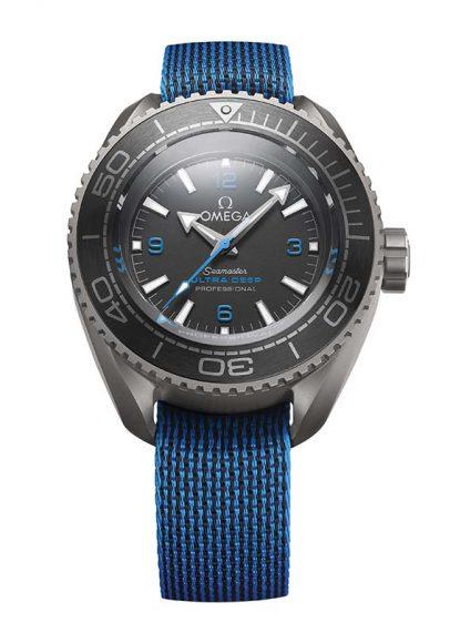 Omega Seamaster Planet Ocean Ultra Deep Professional. La montre de plongée de tous les records! En effet, en début d'année, Victor Vescovo a établi aux commandes de son sous-marin un nouveau record de plongée en atteignant les 10 928m. A ses côtés, ce modèle exceptionnel qui a résisté à la pression écrasante des abysses.