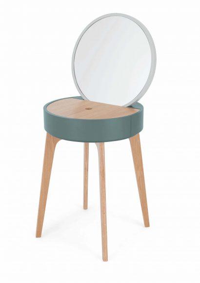 Coiffeuse Cairn Made.com En bois et contreplaqué bleu et bois. PPC: 379 €