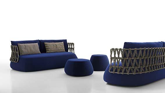 B&B Italia Canapé Outdoor Fat Sofa Design Patricia Urquiola.  En mousse viscoélastique à retour lent.