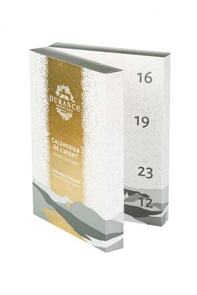 Calendrier de l'Avent Durance. Comme chaque année, la Maison Durance enchante notre avent avec un merveilleux calendrier qui allie bougies aux senteurs de Noël et adorables produits de beauté formats voyage. PPC: 49,90 €