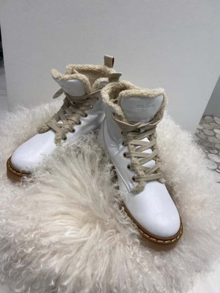 Paire de Boots Hogan Collection Hiver 2020. PPC : 498 €